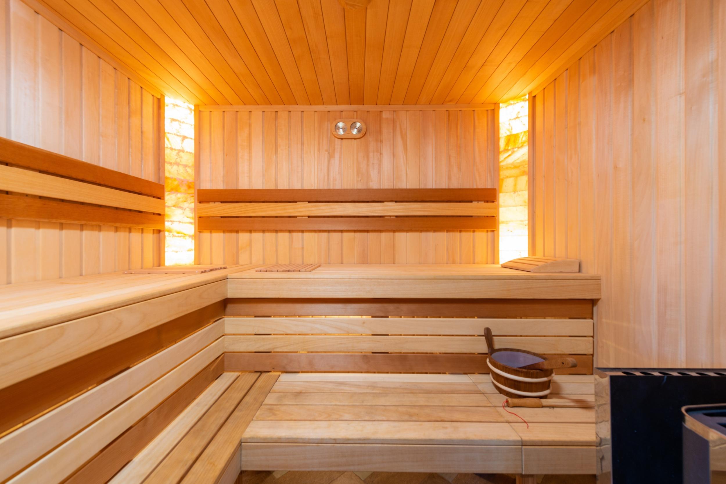 Jak vybrat saunu? Přečtěte si, co vše je nutné vědět před nákupem - pexels-max-vakhtbovych-7587466
